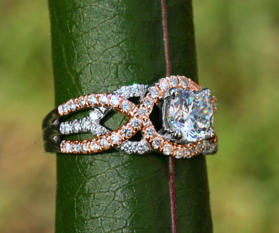 Mariage - TWIST OF FATE - 14k White and yellow or rose gold - Diamond Engagement Ring - Halo - Unique - Swirl - Pave - Bp024 - New