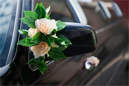 Hochzeit - Simple Floral Wedding Car Decor