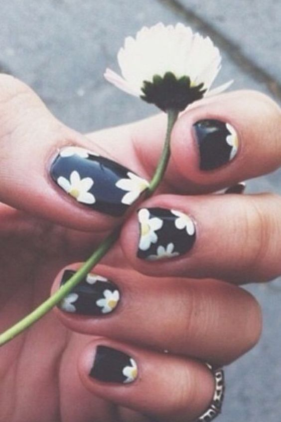45 Easy Flower Nail Art Designs For Beginners - 45 Easy Flower Nail Art Designs For Beginners #2508054 - Weddbook
