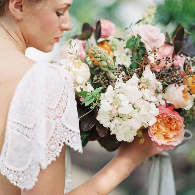 Hochzeit - Ruffled Bouquet