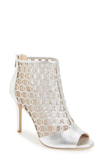 Hochzeit - Badgley Mischka Holt II Glittery Cage Sandal
