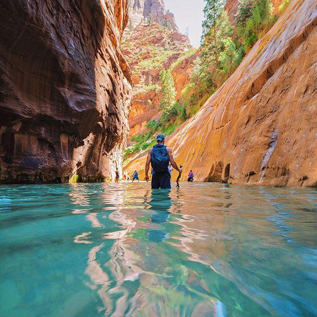 Honeymoon beautiful destinations 2680614 weddbook for Most beautiful places to honeymoon
