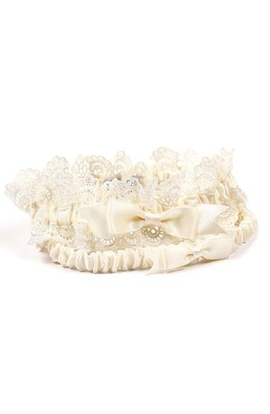 Hochzeit - Cathy's Concepts 'Eleanor' Lace Wedding Garter