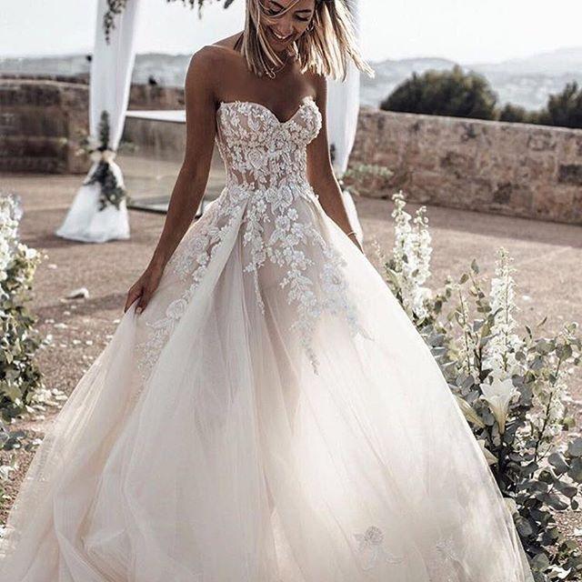 Wedding - By ISABELLA MELO