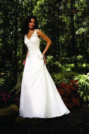 Hochzeit - Allure Bridals