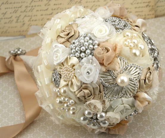 Wedding - Vintage Wedding Bouquet ♥ Handmade Custom Vintage Brooch Wedding Bouquet