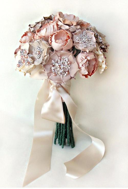 Hochzeit - Silk Brautsträuße von emici Bridal