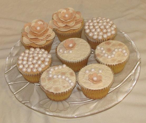 hochzeits cupcakes hochzeit cupcake special design. Black Bedroom Furniture Sets. Home Design Ideas