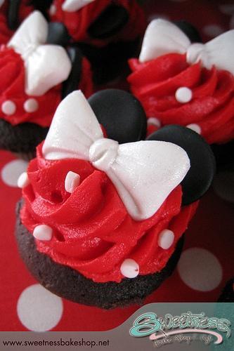 Wedding - Special Wedding Cupcake Decorating