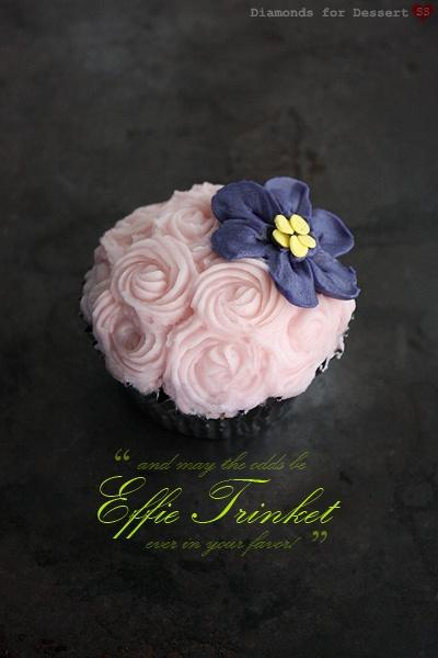 image of Special Wedding Cupcake Decorating