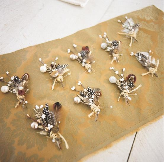 boutonnieres for the boys 901670 weddbook - Boutonnire Invit Mariage