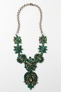 wedding photo -  Handmade Green Ullapool Necklace by Deepa Gurnani | Ozel Tasarim Taslarla Suslu El Yapimi Kolye
