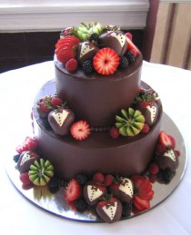 wedding photo - Chocolate Wedding Cake with Fruits ♥ Gourmet Chocolate-Dipped Strawberries Wedding Cake