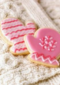 wedding photo -  Winter Wedding Favor Ideas ♥ Pink Sugar Winter Cookies