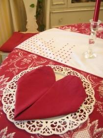wedding photo - Very Easy Red Heart Shaped Napkin Fold Tutorial ♥ Lovely Valentine's Day or Christmas Wedding Tablescape Ideas