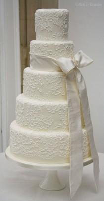 wedding photo - Brush Embroidered Wedding Cake