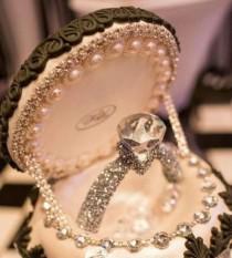 wedding photo - Pin By RainingBlossoms Wedding On Engagement Photo Idea