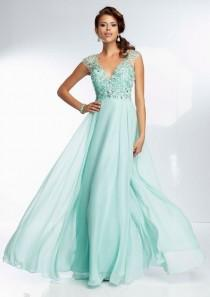 wedding photo - Elegant V-neck Beads Backless Chiffon Evening Party Prom Gowns Quincesnera Dress