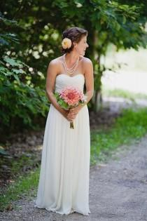 wedding photo - Pleat Chiffon Wedding Dress With Sweetheart Neck In White Ivory Color Hot