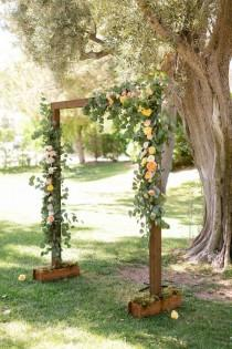 wedding photo - Rustic Wedding Altar