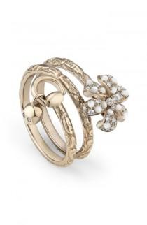 wedding photo - Gucci Flora Diamond & Mother of Pearl Wrap Ring