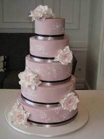 wedding photo - Chic Fondant Wedding Cakes ♥ Hochzeitstorte Design
