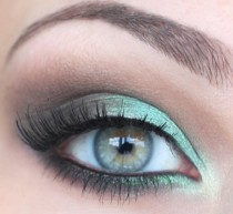 wedding photo - Weddbook ♥ Hochzeits-Make-up für Green Eyes