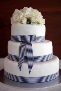 wedding photo - Fondant Wedding Cake ♥ Wedding Cake Design