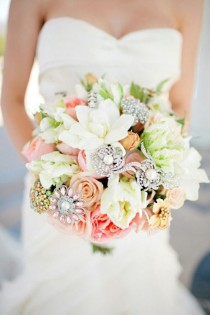 wedding photo - Vintage Wedding Bouquet ♥ Handmade Custom Vintage Brosche Wedding Bouquet