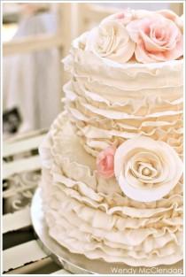 wedding photo - Ruffle Wedding Cakes ♥ Hochzeitstorte Design