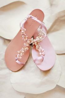 wedding photo - Chic et confortable Sandales de mariage Blush