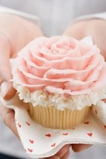 wedding photo -  Special Wedding Cupcake Decorating