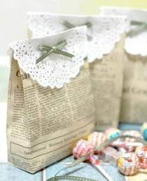 wedding photo - DIY Wedding Favors ♥ Vintage Bag Handmade Vintage Gift
