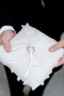 wedding photo -  Knitted Wedding Ring Pillow | Orgu Nisan Yuzuk Yastigi