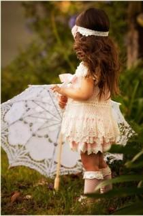 wedding photo - Vintage Lace Flower Girl Dresses ♥ Cute Flower Girl