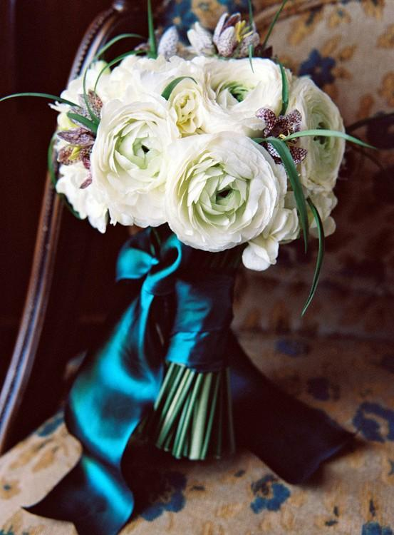 How to Use Ribbons to Brighten Your Wedding